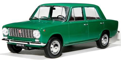 IST Fiat 124 berlina