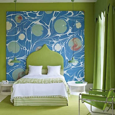 Green-bedroom-with-big-painting