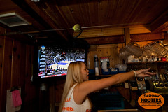 Ordering up some drinks for those thirsty customers (originalhooters) Tags: television bar tampa tv florida hooters busy fl yelling pitchers ordering clearwater hootersgirls originalhooters meetahootersgirl allisoncurtis