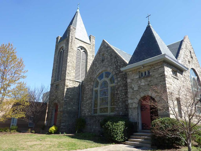 P1080460-2011-03-12-Phoenix-Flies-Inman-Park-Methodist-Church