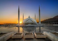 Sunset at Faisal Mosque (Asim237) Tags: blue sunset sky mosque hues faisal islamabad canon1dsmarklll asim237