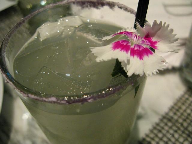Violette Femme cocktail by Caroline on Crack