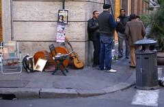 Pausa Pranzo (Pepaito) Tags: strada sandwich artisti pranzo musicisti panino pausa