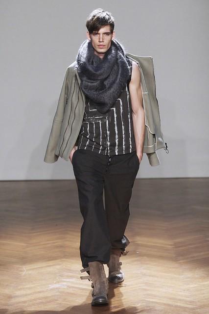FW11_Milan_Albino Deuxieme025_Mark Cox(Simply Male Models)