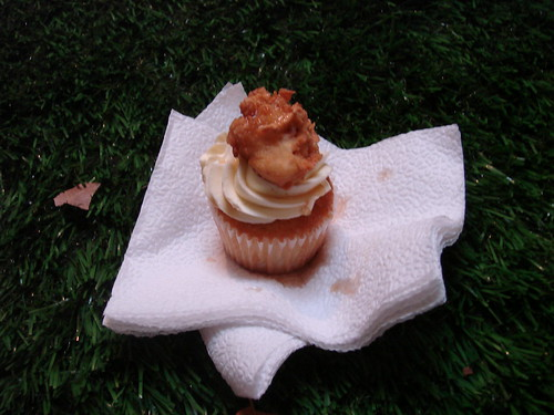 Robicellis Chicken and waffles cupcake