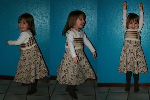 Bloemetjes kleedje (08-2010)