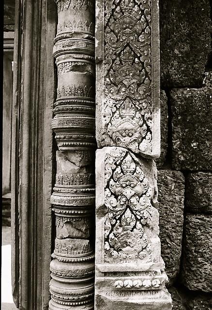 Banteay Srei black&white 2