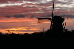 Molen (.jofoto.) Tags: zonsondergang avond kinderdijk molen