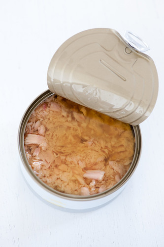 can of tuna in oil