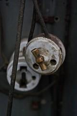 A chave da lus (txorima) Tags: metal canon minas cable galiza mina cobre chave lus toxo fotografía cableado interruptor estaño nación rianxo wolframio chorima 450d lousame frol txorima froldotoxo minasdesfinx