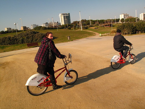 bicing at BCN beach