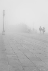 In front of . . . (Francesco Maria Conti) Tags: bridge shadow woman man water fog donna nikon couple ombra lagoon ponte uomo mm laguna 18 55 nebbia acqua venezia coppia d80