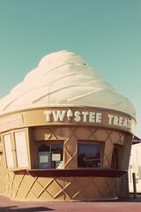 The Twistee Treat (natalie soud) Tags: florida icecream jacksonville fl frozenyogurt icecreamstand jacksonvillefl icecreamshop twisteetreat