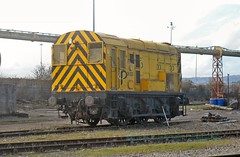 08202 (martin289) Tags: yellow wales industrial cardiff railways shunter railscape tremorfa railview 08202 railscene tremorfasteelworks martin289 griffinimages
