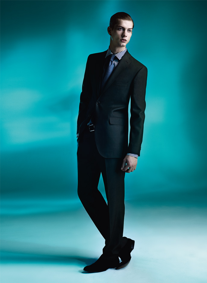 Theo Hall0045_Guy Laroche SS11 Collection(Official)
