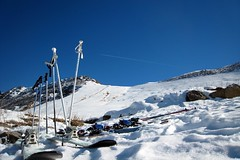 Pause sandwich (fred_v) Tags: mountain snow ski montagne neige skis valmorel snowpoles btons