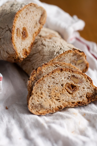 pão com figos e nozes