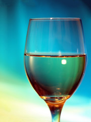 Vibrant Wine (JeahFree) Tags: blue light reflection 50mm colorful wine turquoise vivid olympus crop wineglass streaks computerscreen whitewine fourthirds e620 sigma50mmf14exdghsm wineglassinfrontofcomputerscreen