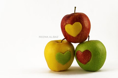 Apples (ReemaCo) Tags: red green apple yellow heart reema        albaz  reemaco