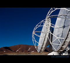 The first ALMA antennas at the AOS [9026] (josefrancisco.salgado) Tags: chile nikon desert plateau alma observatory desierto nikkor plain cl llano radiotelescope sanpedrodeatacama observatorio aos interferometer desiertodeatacama radiotelescopio atacamadesert repúblicadechile interferómetro republicofchile d3s 2470mmf28g iiregióndeantofagasta llanodechajnantor provinciadeelloa atacamalargemillimeterarray chajnantorplain llanodechajnantorobservatory arrayoperationssite