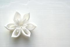 Kanzashi-White Clematis (cuttlefishlove) Tags: wedding flower japan japanese petals brooch silk craft ornament bridal folding weddingoutfit hairclip kanzashi fascinator hairornament habotai weddingwear habotae