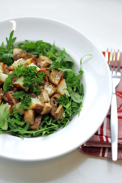 Roasted Potatoes, Mushrooms and Rocket
