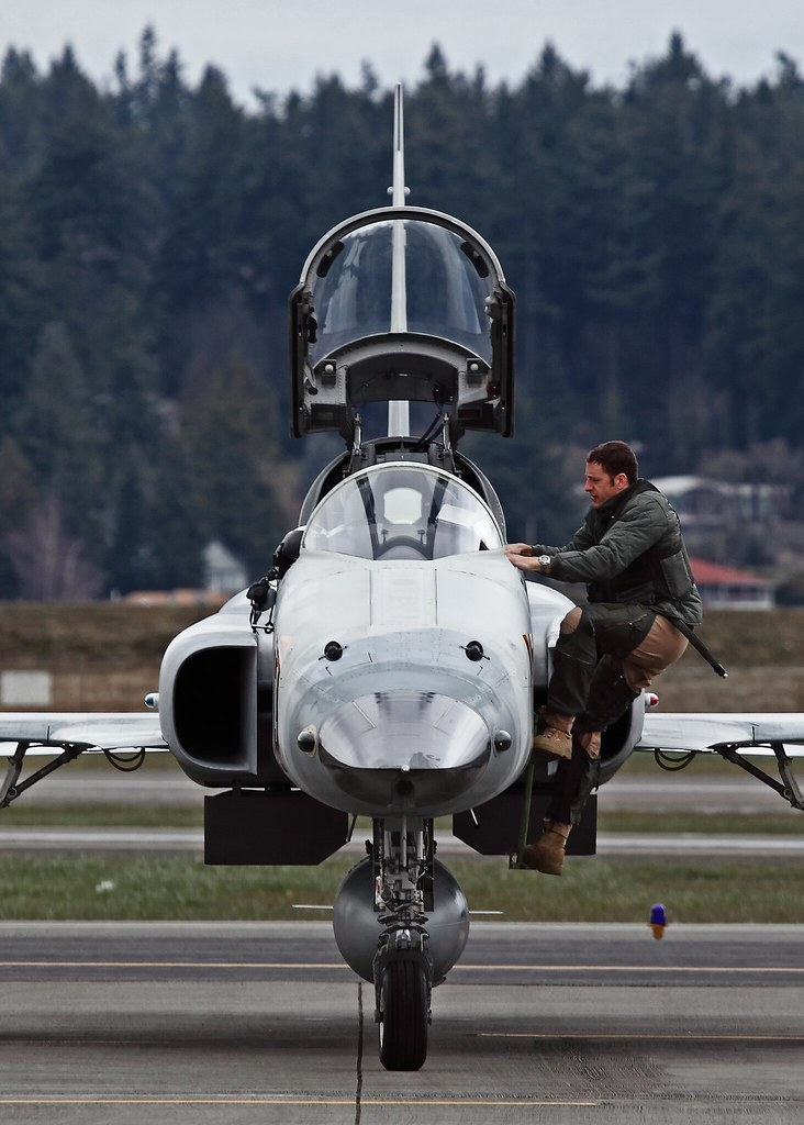 Les F-5E/F/N Tiger II / Aggressor - Page 3 5487572863_6df1d6a21f_b