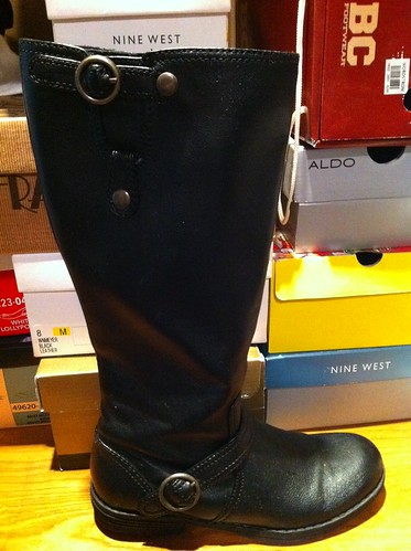 Madden Boots - Size 8