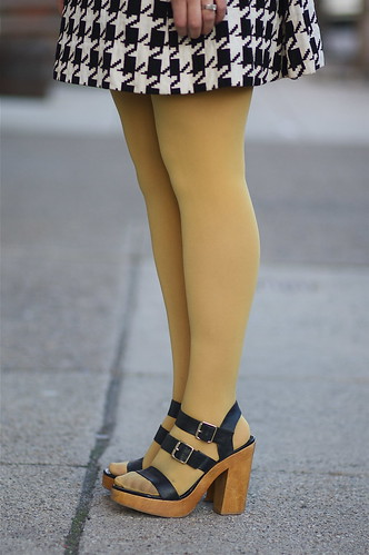 Can You Wear Nylons With Peep Toe Shoes