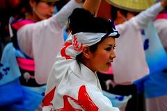 Kyoto: Beautiful Awa Odori dancer   (Y. Peter Li Photography) Tags: woman beautiful japan japanese ancient kyoto folk dancer historic shikoku   prefecture tokushima awa odori