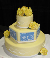 15-Classic Yellow and Blue Wedding Cake