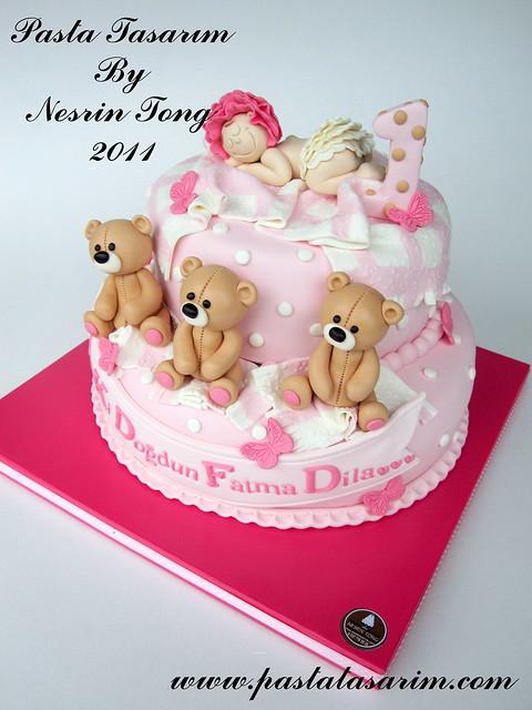 TEDDY BEARS AND SLEEPING BABY CAKE - DILA 1ST BIRTHDAY