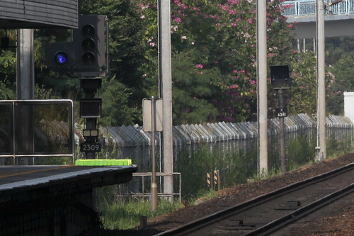 Signal 2309 and Emergency Stop System indicator X6381 at Fanling station