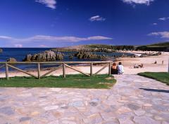 PLAYA DE TOR (turismodellanes) Tags: costa naturaleza asturias playa paisaje cine q turismo senderismo vacaciones llanes playas excursion cantbrico paraisonatural llanesdecine