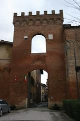 Porta Senese (Matteo Bimonte) Tags: porta siena medievale buonconvento senese francigena viafrancigena