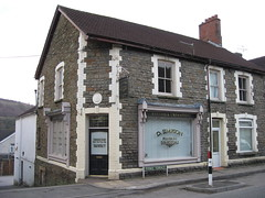 Simpsons Funeral Directors Pontyberry (Watt_Dabney) Tags: stella sky set wales jones tv funeral fim welsh ruth tidy directors llanbradach pontyberry