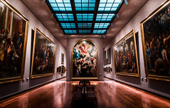 A day at the museum (niloalexandre) Tags: paintings painting museum light room architecture canon eos 6d ground beautiful lightning symmetry symmetrie paint art beauty