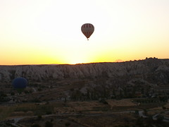A walk in the skies of Cappadocia XII (Pedro Nuno Caetano) Tags: turkey cappadocia
