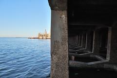 (kantropus) Tags: argentina rio port dark puerto agua day shadows tunnel dia symmetric cave corrientes tunel sombras cueva oscuro ambiguo simetrico centrado