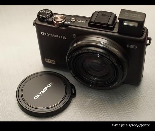 XZ-1 鏡頭閃燈全開
