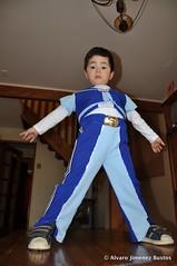 Vicente Disfrazado de Sportacus (Alvaro Jimenez) Tags: vicente sportacus