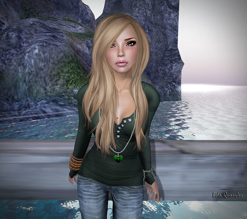 Absolution - Pure Heart Henley Green & [SP] Long Heart Necklace Green