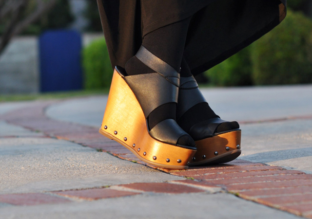 wooden wedges, steve madden shoes, sandals with tights, wedges, DSC_0081