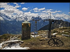 Swiss spring time The Alps in the end of the sky-season . (Izakigur) Tags: mountains alps liberty schweiz switzerland nikon europa europe flickr suisse suiza swiss feel d200 helvetia svizzera wallis ch valais aletsch  suizo  myswitzerland lasuisse nikond200    izakigur cantonduvalais suisia izakigur2008 mygearandme izakiguralps  rierderalps