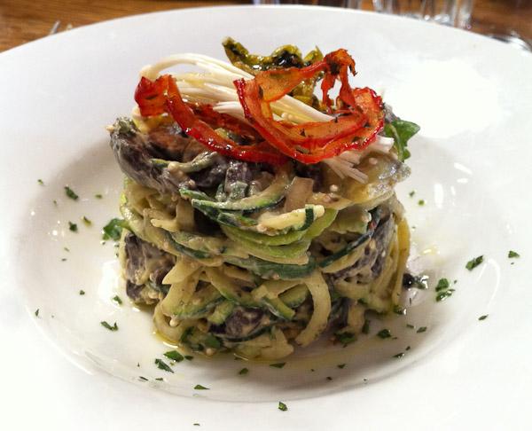 Vegie Bar: Zucchini noodle salad (Raw)