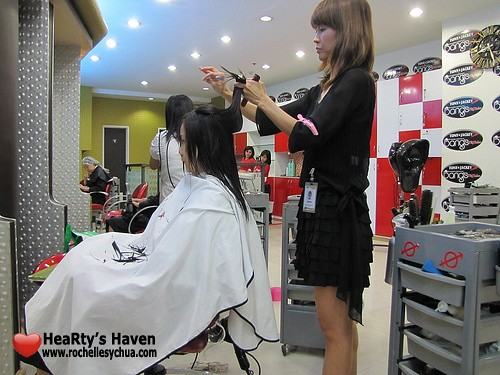 cutting hair at tony and jackey