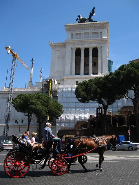 ローマの馬車と観光のフリー写真素材