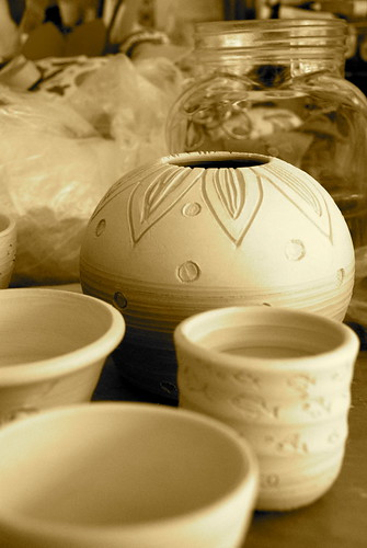 Little pots, freshly carved
