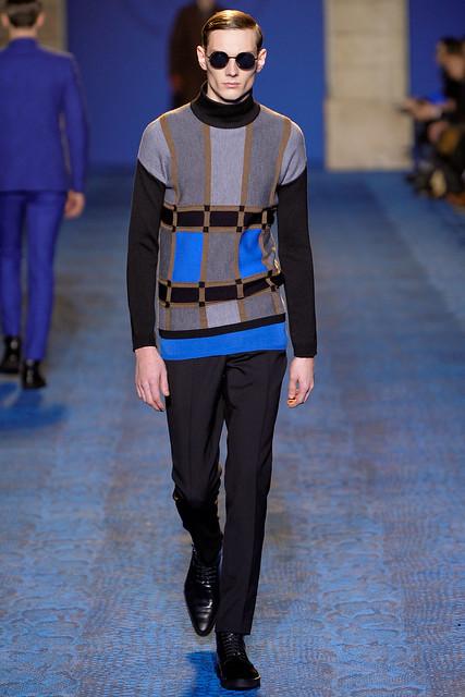 Aiden Andrews3091_FW11_Milan_Versace(VOGUEcom)