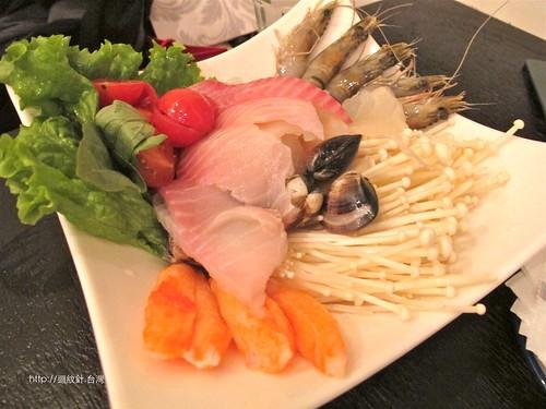 kiki Thai cafe 酸辣海鮮火鍋料